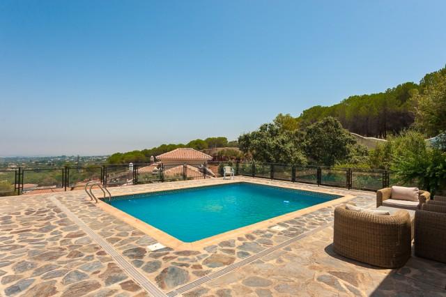 For sale: 15 bedroom house / villa