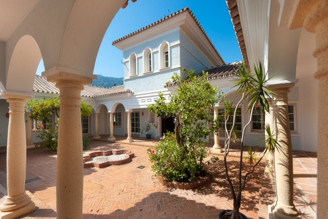 6 bedroom house / villa for sale in Alhaurín el Grande, Costa del Sol