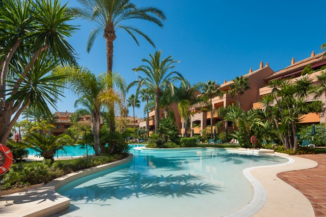 For sale: 3 bedroom apartment / flat in Marbella, Costa del Sol