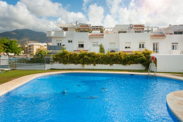 For sale: 4 bedroom house / villa in Fuengirola