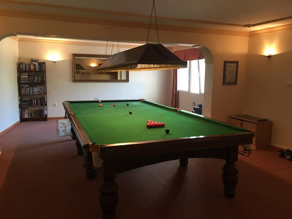snooker room.jpg