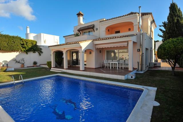 For sale: 4 bedroom house / villa in Marbella