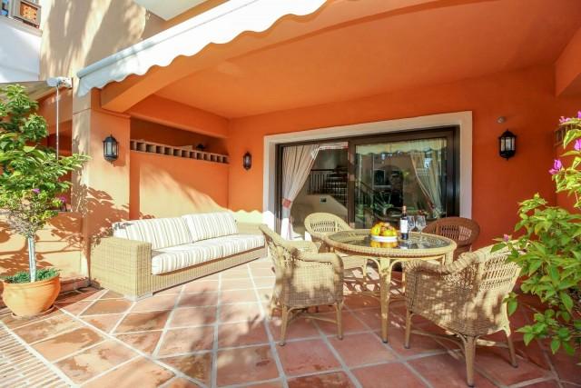 For sale: 2 bedroom house / villa in Marbella