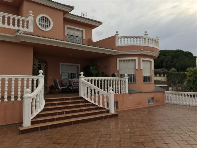 For sale: 4 bedroom house / villa in Alhaurín de la Torre, Costa del Sol