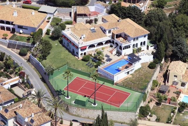 For sale: 12 bedroom house / villa in Mijas Costa, Costa del Sol