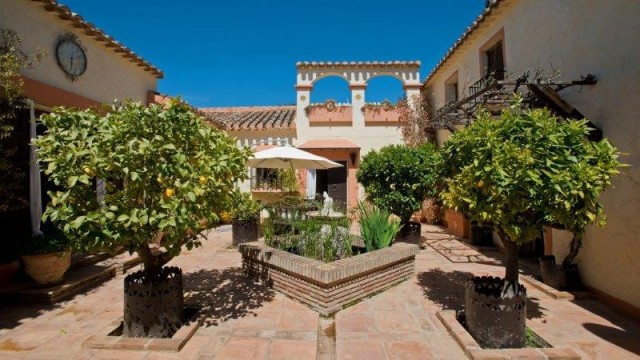 For sale: 6 bedroom finca in Villanueva del Rosario, Costa del Sol