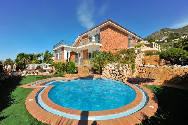 For sale: 6 bedroom house / villa in Benalmadena