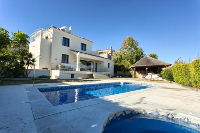 For sale: 4 bedroom house / villa in Manilva