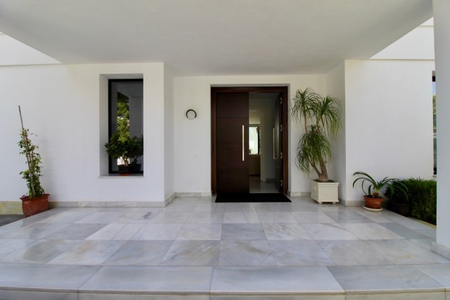 4 bedroom house / villa for sale in Marbella, Costa del Sol
