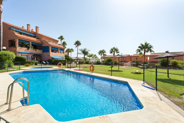 For sale: 2 bedroom house / villa in Estepona
