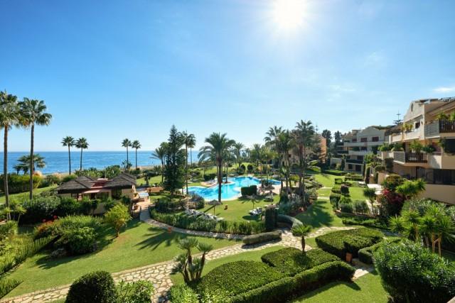 For sale: 3 bedroom apartment / flat in Estepona, Costa del Sol