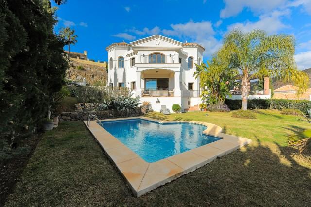 For sale: 4 bedroom house / villa in Benahavis, Costa del Sol