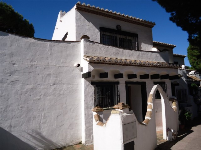 3 bedroom house / villa for sale in Calahonda, Costa del Sol