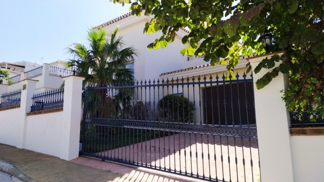 For sale: 4 bedroom house / villa in Alhaurín el Grande, Costa del Sol