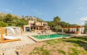 Good opportunity to purchase a multifunctional duplex apartment within walking distance to the beach in Puerto Pollensa.