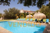 Spectacular country house for sale situated near the golf course of Pollensa