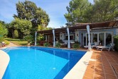 Beautiful detached villa located in an exclusive and quiet residential area on the outskirts of Inca.