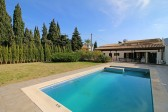 Villa with an unbeatable location at just 5 minutes walking distance from the centre of Pollensa