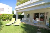 3 Bedroom ground floor apartment with 2 private gardens in the exclusive development of Bellresguard