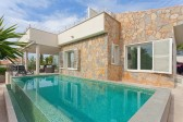 Modern and stylish detached villa located in the area of Bonaire with sea views