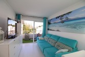 Tidy and well kept 2 Bedroom Apartment with communal pool close to town