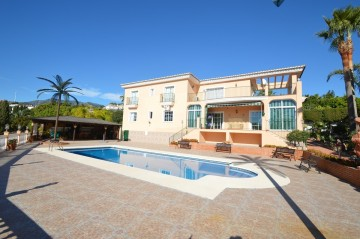 YPIS1619 - Villa for sale in Benalmádena, Málaga, Spain