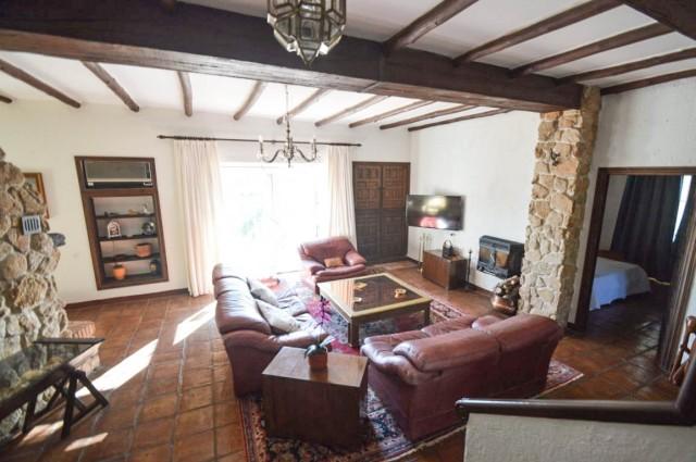 20. Main living room