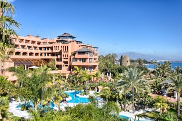 YPIS2051 - Penthouse for sale in New Golden Mile, Estepona, Málaga, Spain
