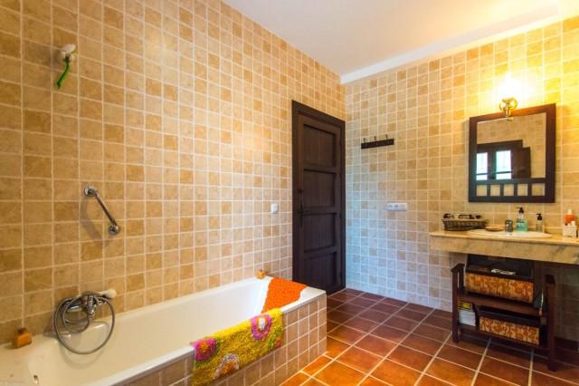 2nd bathroom1 (2)