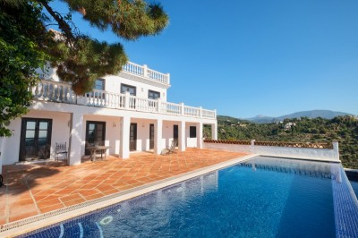 795532 - Villa For sale in El Madroñal, Benahavís, Málaga, Spain