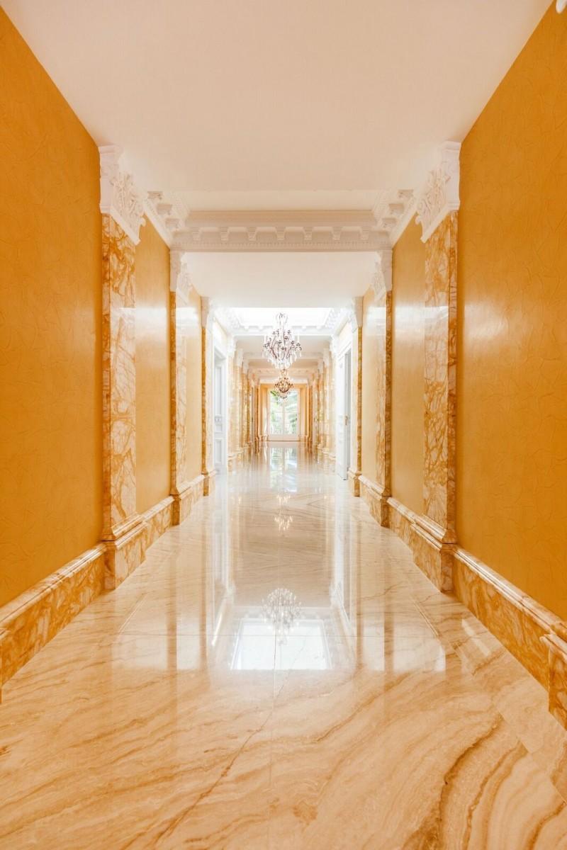14_hallway