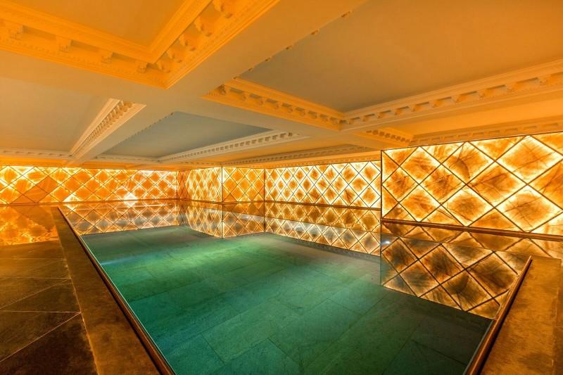 17_indoor pool