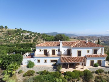 YPIS1832 - Hotel for sale in Casarabonela, Málaga, Spain