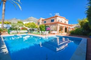 Villa Sprzedaż Nieruchomości w Hiszpanii in Benalmádena, Málaga, Hiszpania