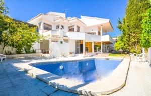 Villa en venta en Benalmádena, Málaga, España