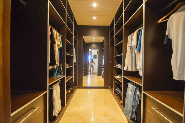 19 Dressing room