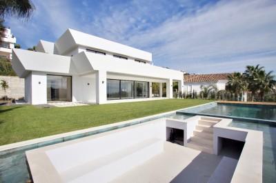 Luxury Villa In La Alqueria, Costa Del Sol