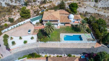YPIS2154 - Villa for sale in Benalmádena, Málaga, Spain