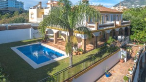 Villa for sale in Torreblanca, Fuengirola, Málaga, Spain