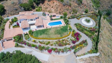 YPIS2255 - Villa for rent in Valtocado, Mijas, Málaga, Spain