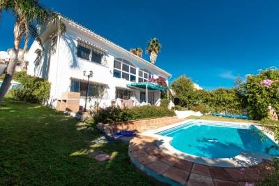 778656 - Villa For sale in Buenas Noches, Estepona, Málaga, Spain