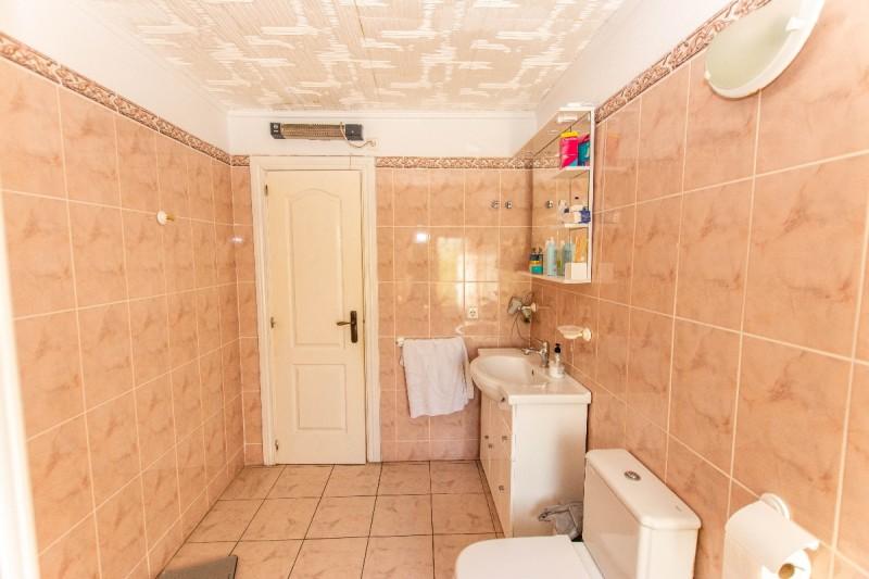 main bathroom bis