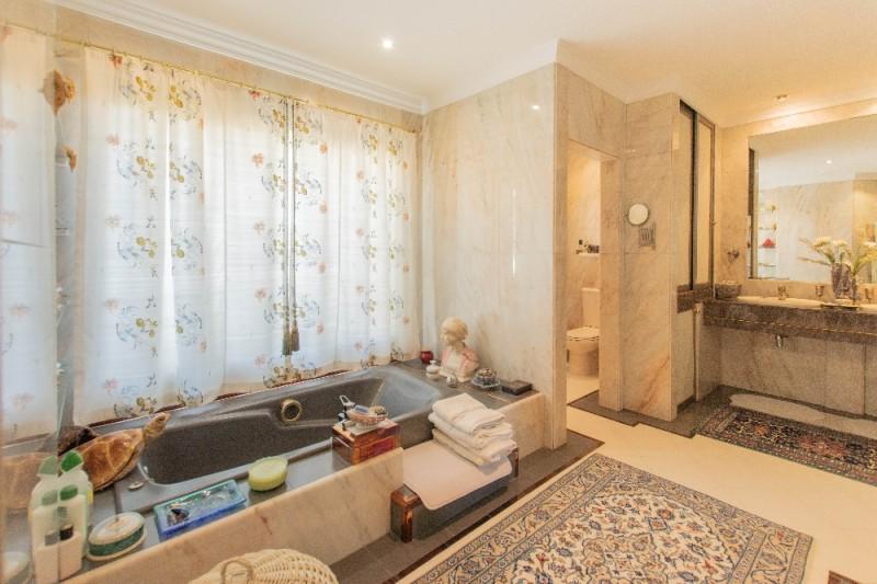 master bedroom onsuite bathroom