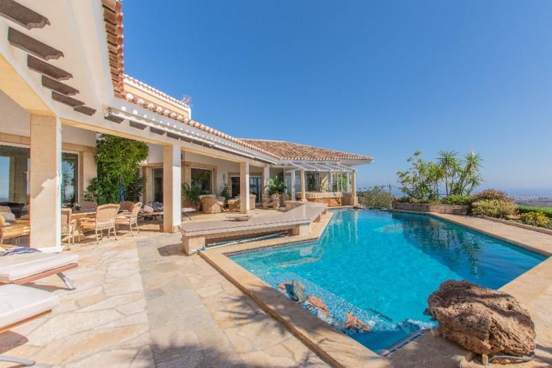 pool house3