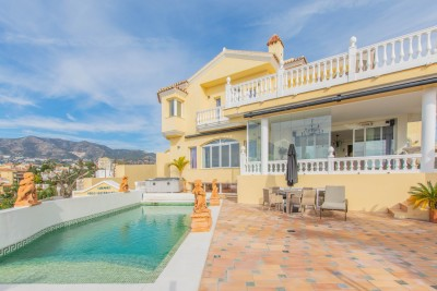 797034 - Villa For sale in Fuengirola, Málaga, Spain