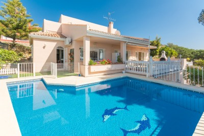 799009 - Villa For sale in Estepona, Málaga, Spain
