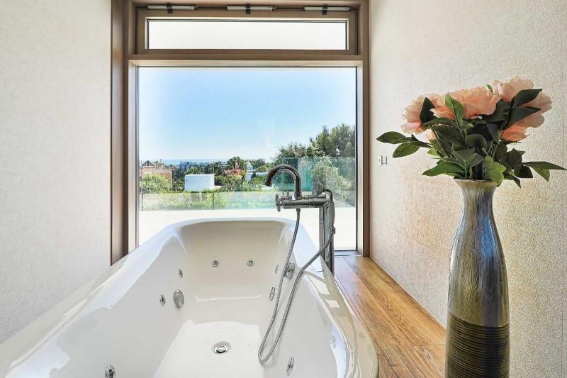 Bathroom + views