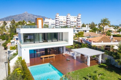 803955 - Villa For sale in Nueva Andalucía, Marbella, Málaga, Spain