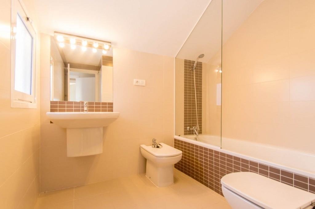 2nd bathroom-2