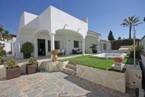 Villa for sale in Cerrado de Elviria Playa, Marbella, Málaga, Spain